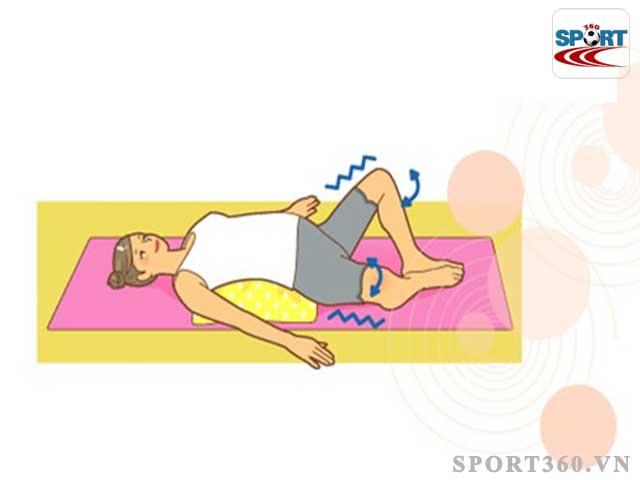 Bài tập yoga nằm ngửa trên thảm