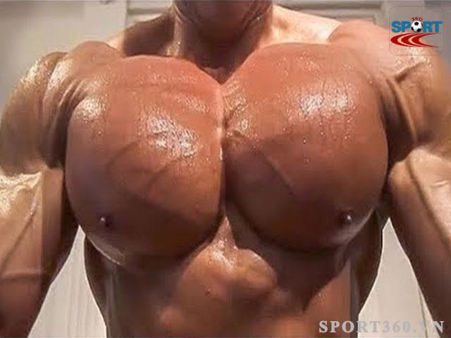 kích thích sự phát triển cơ bắp vùng ngực