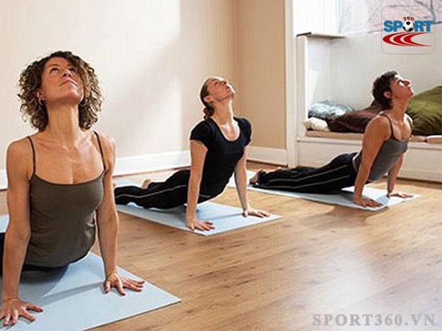 Buổi trưa là thời điểm thích hợp để tập yoga
