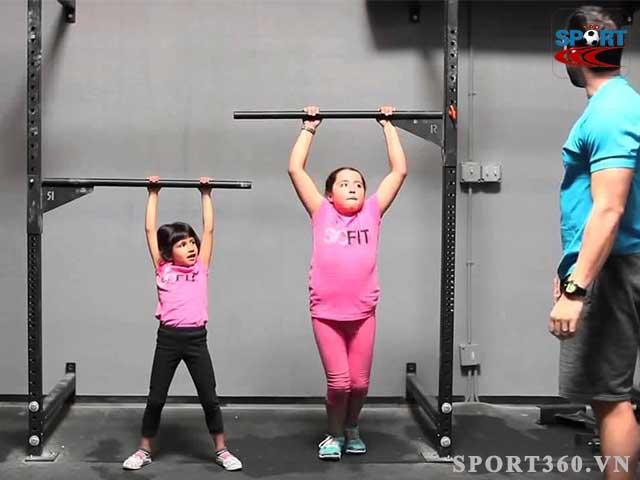 Luyện tập với xà đơn giúp trẻ tăng chiều cao nhanh chóng