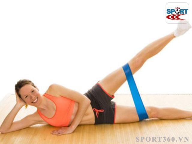 Thon gọn đôi chân với bài Lying external rotation