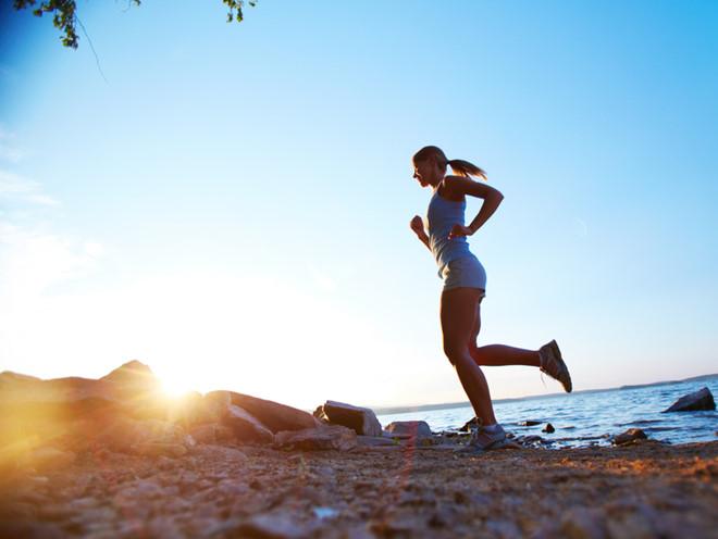 Tập thể dục buổi sáng giúp giảm mỡ bụng