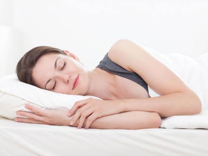 ngủ nghỉ khóa học là 1 trong 9 cách giảm mỡ bụng