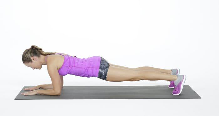Plank là một bài tập phù hợp cho người mới đeo đai nịt bụng